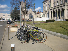 bike rack court square thanh